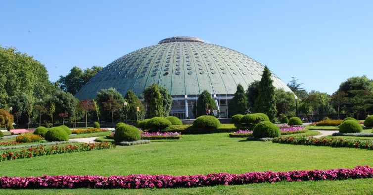 Crystal Palace in Porto has the most beautiful gardens of the city