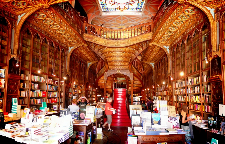 Lello's Bookstore - The magical bookstore!