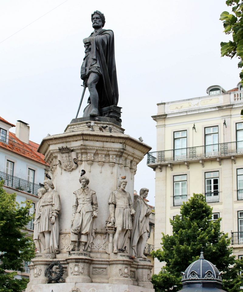 Free Walking Tour Lisbon in Praça Luis de Camões
