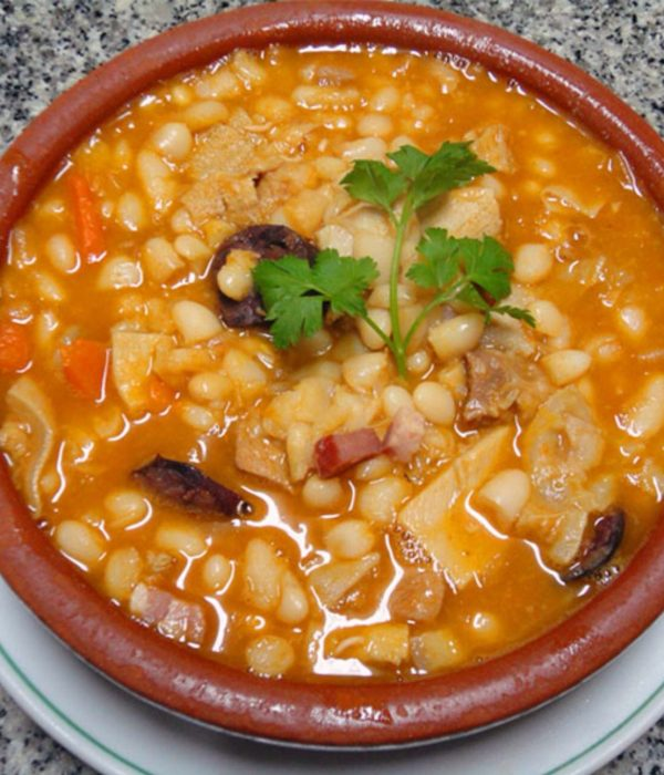 tripeiros of porto - tripas à moda do porto is the most typical dish of Porto